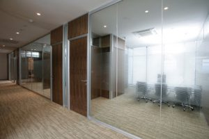 Benefits of using glass partitions in office