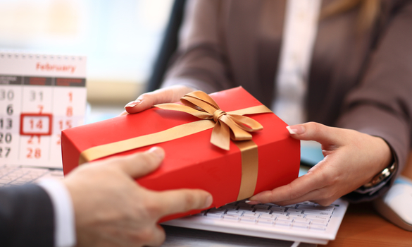 Choosing the right corporate gift for your clients